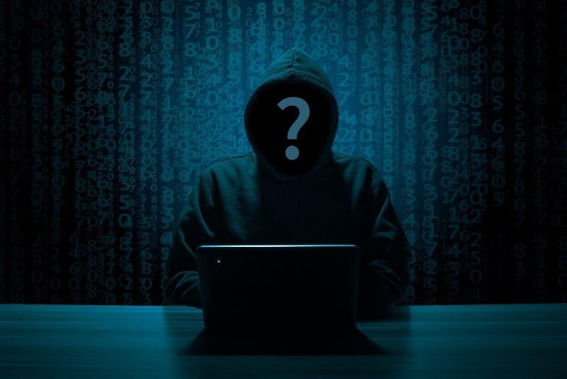 Ruský hacker ukradol osobné údaje miliónom ľuďom a následne ich predával